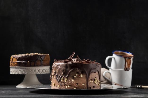 Bestseller Cake Online