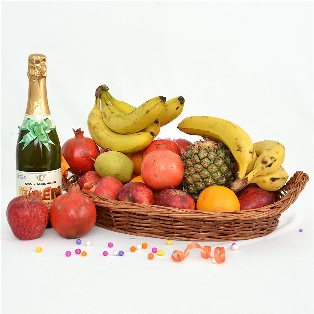 Mesmerising Basket with Fruit Champagne