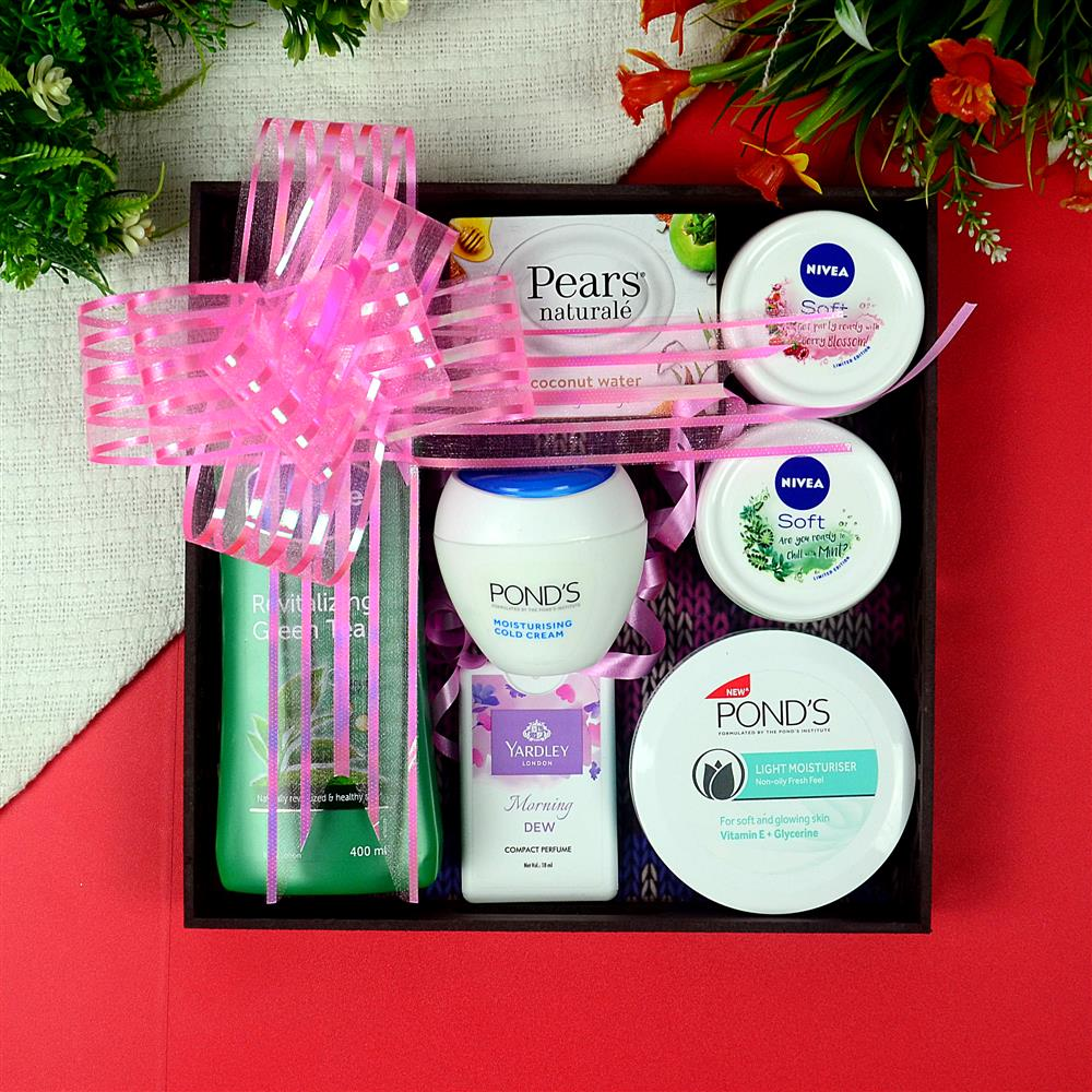 Spa And Cosmetics Hampers