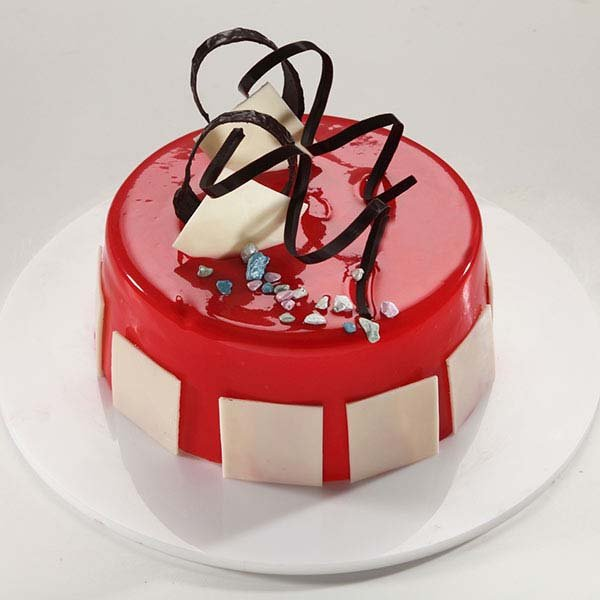 Scumptious Strawberry Cake 1 kg
