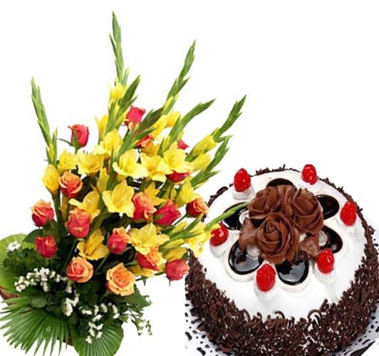 Flower Bunch With Black Forest Cake