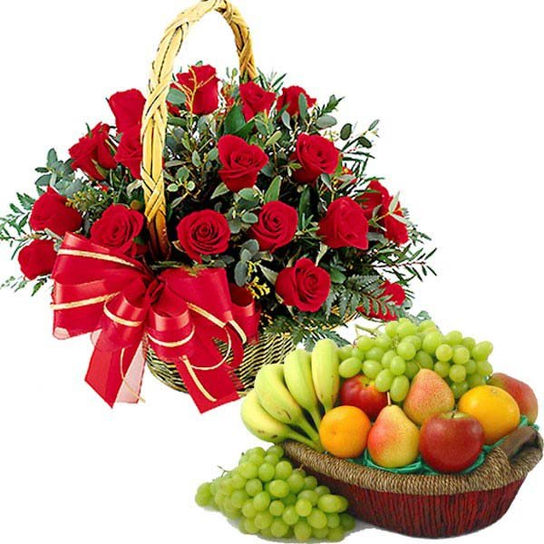 20 Red Roses Arrangment with Fruits
