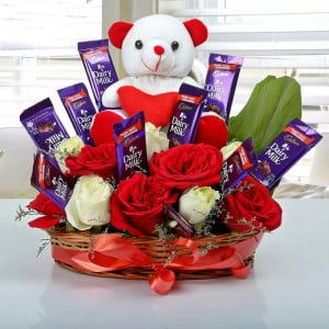 Online Gifts Delivery Surprise Arrangement