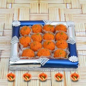 Diwali Sweets Thali - Motichur Laddu with Thali