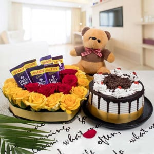Midnight Gifts Delivery Send Midnight Birthday Gifts Flowers Cakes Chocolate Delivery Across India Best Price Oyegifts