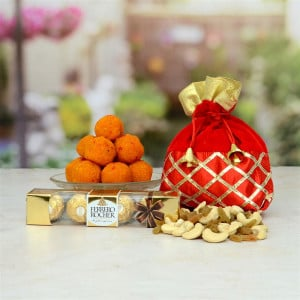 Motichoor Laddoo With Ferrero Rocher and Kaju Gift Hamper