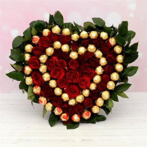 Ferrero Rocher bouquet with Red Roses