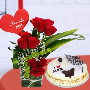 Red Rose Vase with Butterscotch Cake