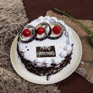 Chocolicious Christmas Black Forest Cake