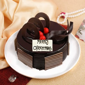 Tempting Merry Christmas Cake