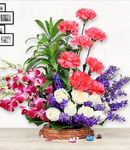 christmas Flowers Delivery online