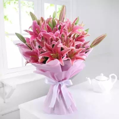 Lillies Bouquet Online For Birthday